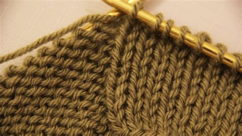 how to knit purl stitch for beginners how to make a purl and knit stitches basics of knitting