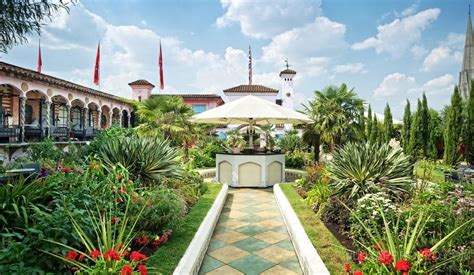 roof garden club sir richard branson s the roof gardens paradise in the