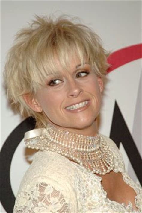 female country singer with recent hair cut 27 best images about lorrie morgan on pinterest country