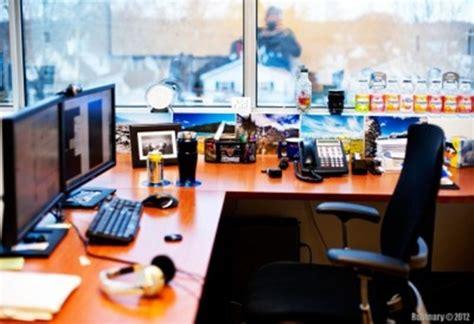 Cubicle Decorating Ideas desk d 233 cor decoration ideas for men s desks lifestylerr
