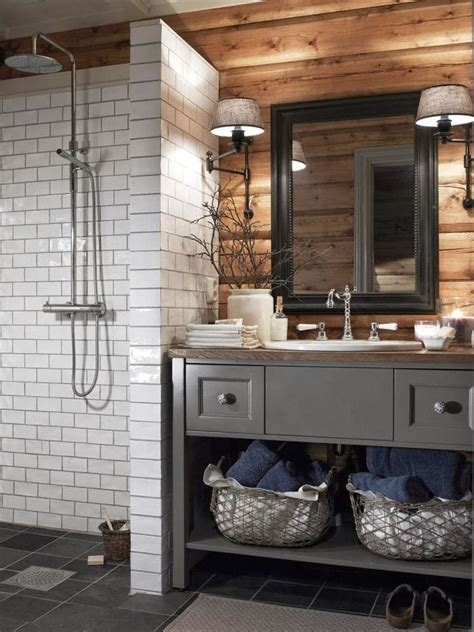 small rustic bathrooms best 25 small cabin bathroom ideas only on pinterest