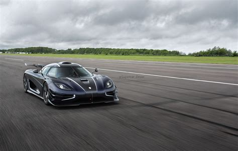 koenigsegg one koenigsegg one 1 breaks vmax200 speed record thrice in