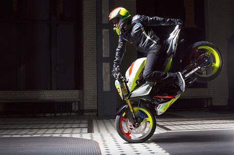 Motorrad Stunt Show 2018 by Bmw Concept Stunt G 310 Hints At 300cc Models To Come