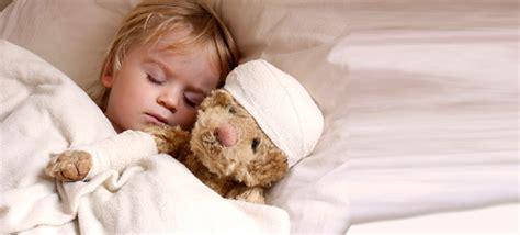 heiserkeit bei kindern wann zum arzt gehirnersch 252 tterung bei kindern das sind die symptome