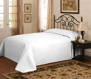 country white oversized bedspread coverlet