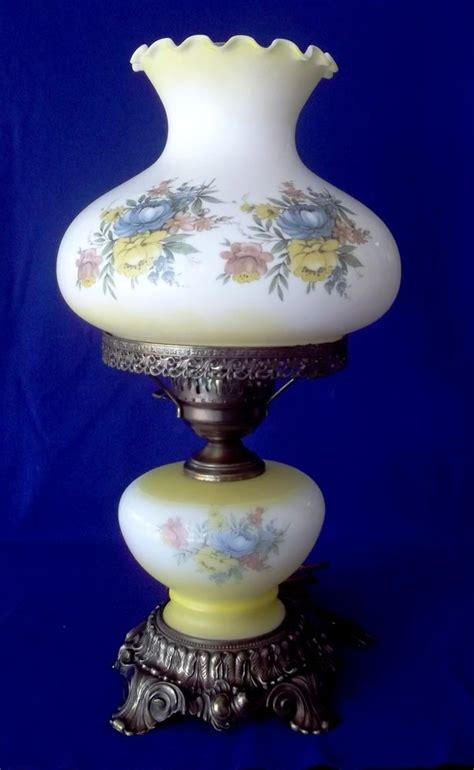 vintage l lwmc hurricane table l 19 quot with yellow