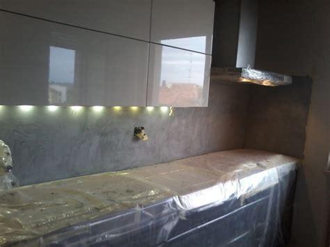 resina per piastrelle cucina rivestimento in resina decorativa di cucina idee imbianchini