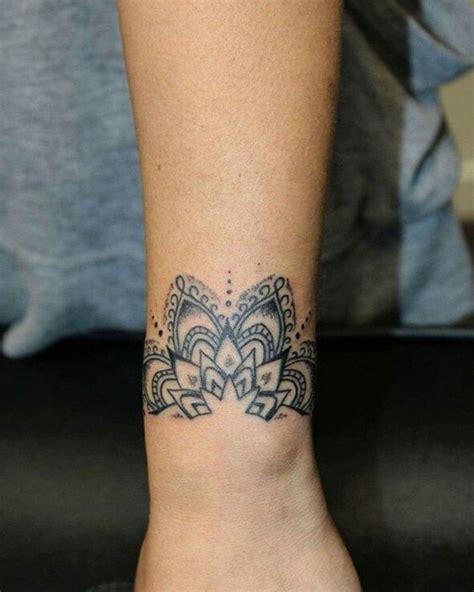 mandala tattoo rihanna les 25 meilleures id 233 es de la cat 233 gorie tatouage dentelle