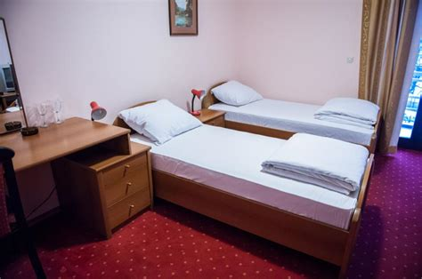 Separate Beds by Hotel Europa