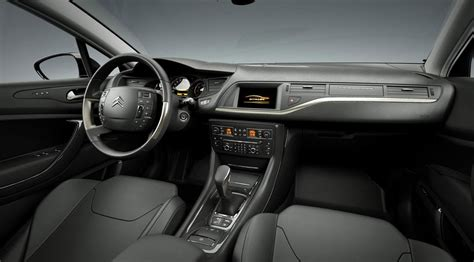 C5 Interior by Citroen C5 2 0 Hdi 2008 Review By Car Magazine