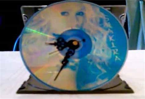 he aqu un lindo trabajo de reciclaje para realizar con los crear un bonito reloj con un cd reciclar cds rayados y