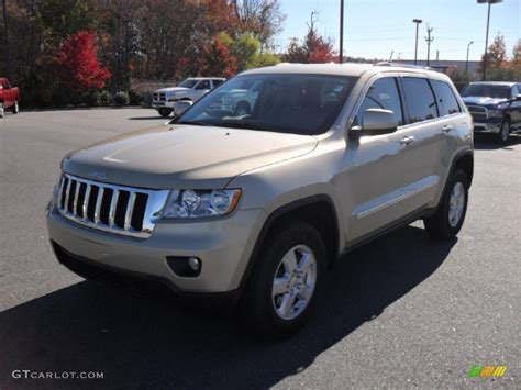 gold jeep cherokee white gold jeep grand cherokee white gold