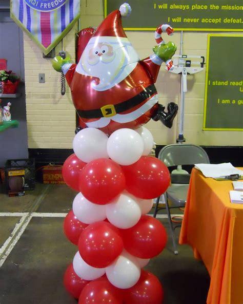 santa balloon column