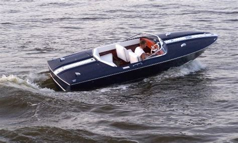 vintage speed boats for sale the legend of chris craft lives on even today classic