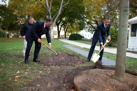 barack obama house file barack obama and the white house chief usher stephen w rochon plant a
