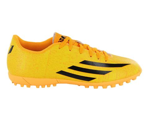 indoor football shoes india best football trainers to buy in india