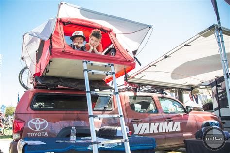 Yakima Tent And Awning by Yakima Skyrise Rooftop Tent Mtbr