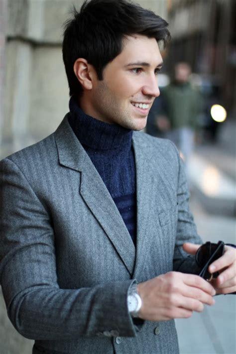Sweater Elegan Turtle Navy cuello cisne y blazer una combinaci 243 n con la que nunca