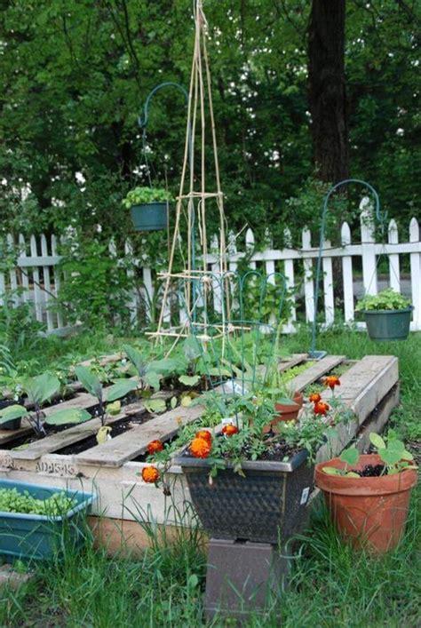 pallet flower bed 9 diy pallet garden bed ideas 99 pallets