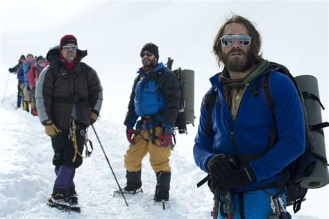 film everest qui meurt everest de baltasar kormakur la critique du film
