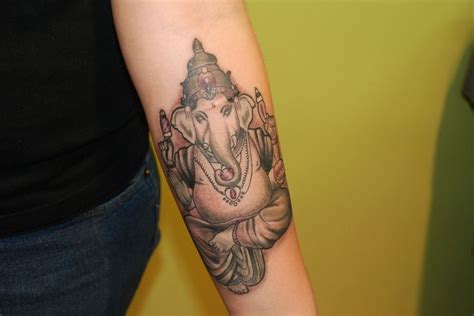 simple ganesha tattoo designs 78 best images about ganesh other ink on pinterest