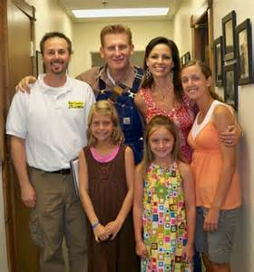 Rory feek daughters joey rory backstage with kelly green his daughter