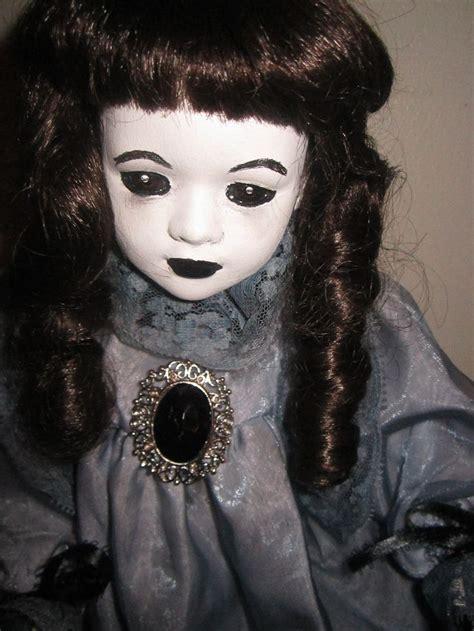 Boneka Sally With Toys pin by carla lucero on creepy scary dolls