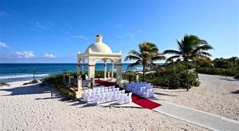 The wedding gazebo located at Grand Bahia Principe Tulum