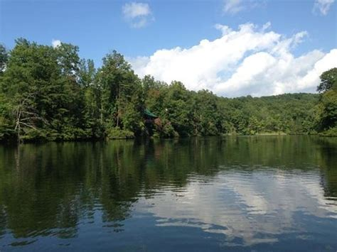 laurel lake and cabins picture of breaks interstate park