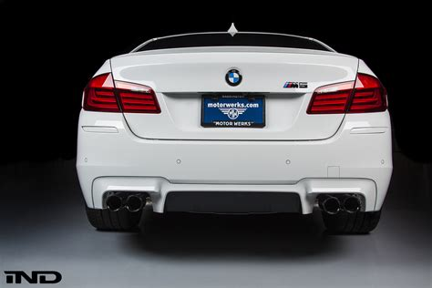 Bmw M5 Rear   bmw f10 m5 rear painter reflector install replacement diy