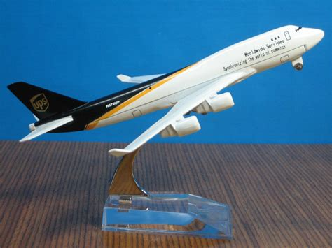 Diecast Plane Diecast Pesawat Sriwijaya new ups b 777 passenger airplane alloy plane aircraft metal diecast model collection free