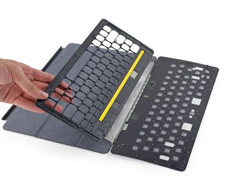 Pro Smart Keyboard teardown of pro smart keyboard shows conductive