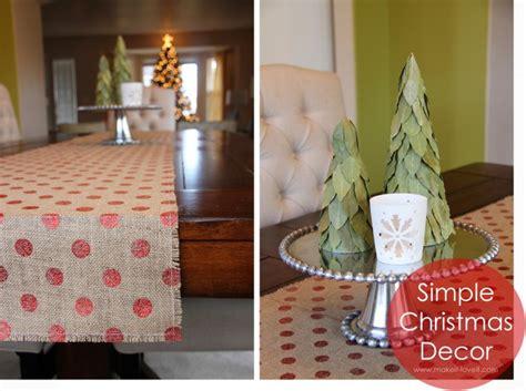 simple christmas decor burlap table runner bay leaf