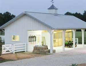 Horse Barn Design Ideas 25 Best Ideas About Horse Barns On Pinterest Horse Farm