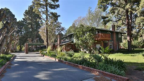 Malibu Estates For Sale Malibu Nick Nolte S Malibu Mansion For Sale World Property
