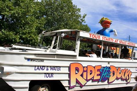 boat tours of seattle seattle ride the duck with kids