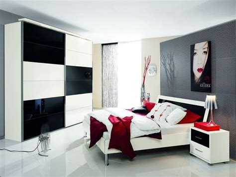 Interior Design Ideas Bedroom Black And White Fetching White Bed Idea And Licious Big Black White Closet