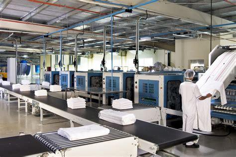 emirates flight catering wikipedia laundry services dubai i emirates flight catering