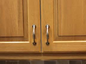 Pictures Of Kitchen Cabinets With Handles by Kitchen Cabinet Door Knobs Placement Car Tuning Car Tuning