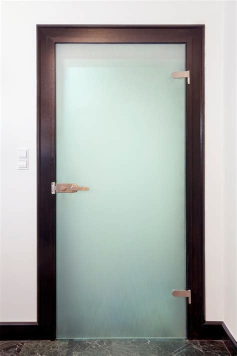 Glass Door Uk Bespoke Glass Doors Shop Fronts Frameless Glass Doors In By Am Glass And Mirror Ltd