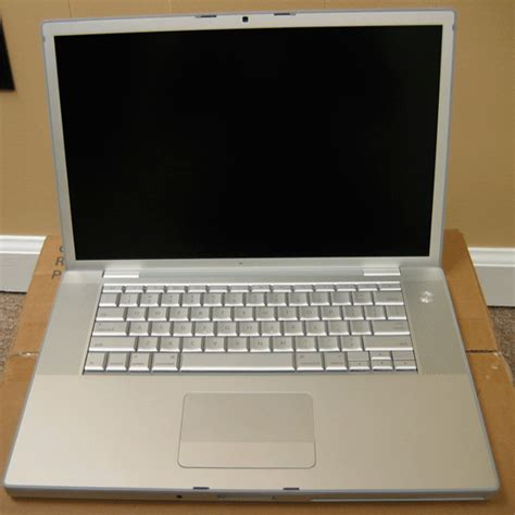 Macbook Pro 2 Duo Second Macbook Pro 2 4ghz Intel 2 Duo Refurbished Fb133ll A