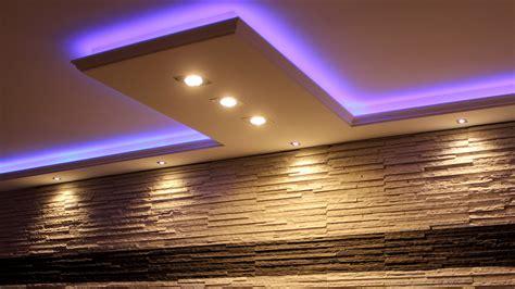 beleuchtung mit spots stuckleisten lichtprofile fur indirekte led beleuchtung