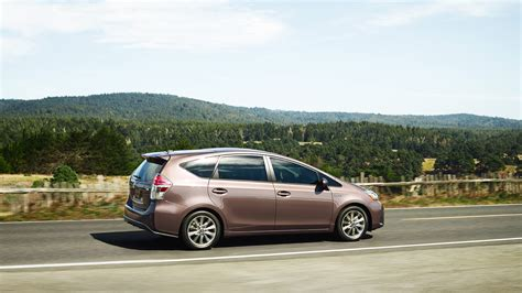 Toyota Prius Highway Mileage Which Prius Gets The Best Gas Mileage