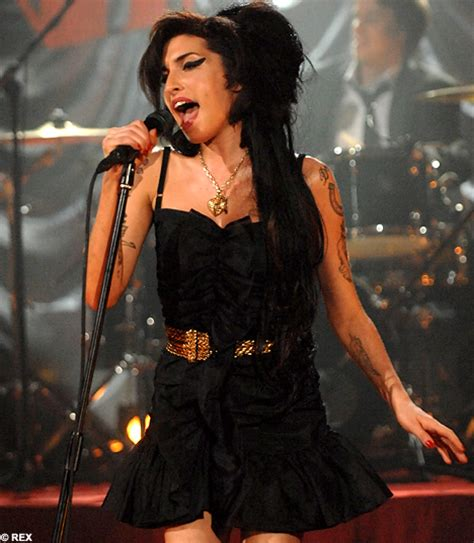 Winehouse Dedicates Grammys Win To My Incarcerated After Scooping Five Awards winehouse november 2006 february 2010 page 58