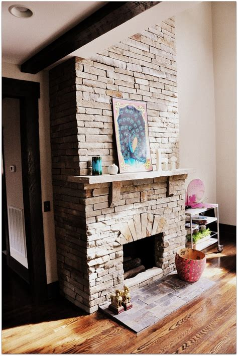 Vaulted Ceiling Fireplace Ideas by Fireplace And Vaulted Ceilings M A I S O N Fireplaces Ceilings And