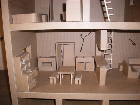 Maison de poupée   Meubles en carton   Angers