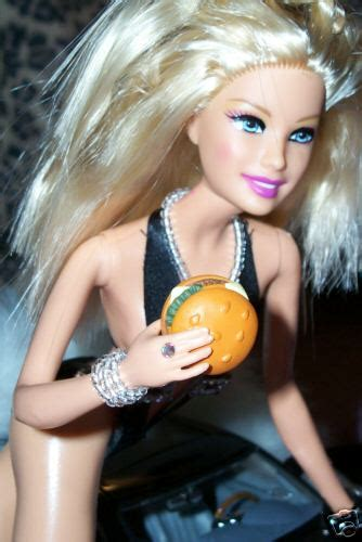 Anthropologie Isongbook Techie Divas Guide To Gadgets by Carls Jr Doll Techie S Guide To Gadgets