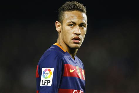 bar231a neymar perd ses nerfs football maxifoot