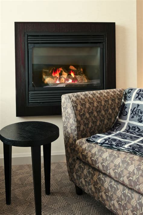 Vent Free Vs Vented Gas Fireplace by Vented Vs Vent Free Fireplaces Richmond Va Chimney Saver