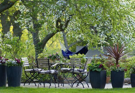 landhausgarten ideen tipps zur gestaltung eines landhausgartens obi ratgeber